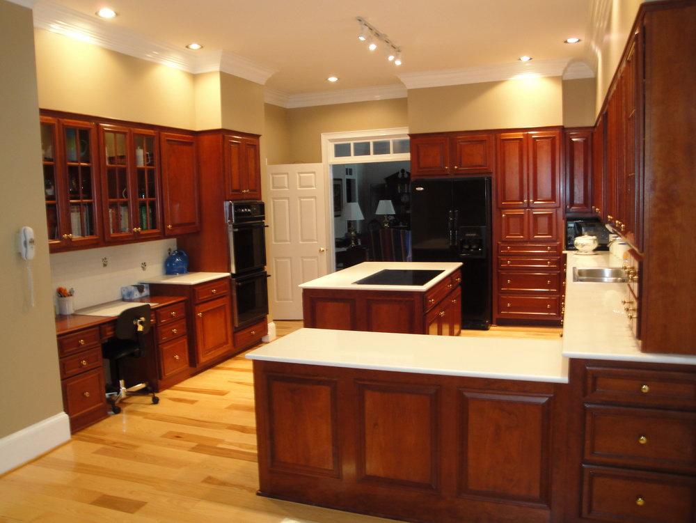 Light Kitchen Cabinets Black Appliances