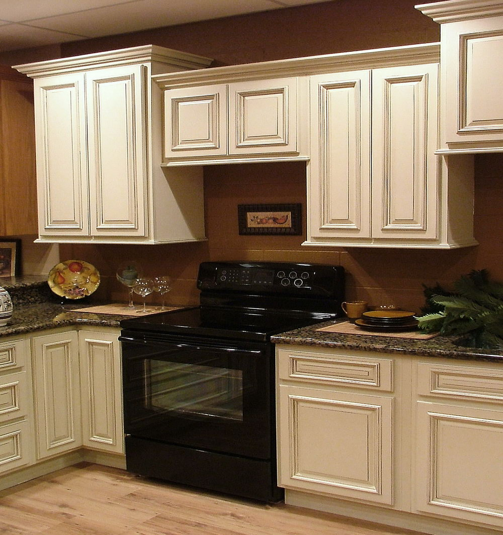 Light Wood Kitchen Cabinets With Black Appliances