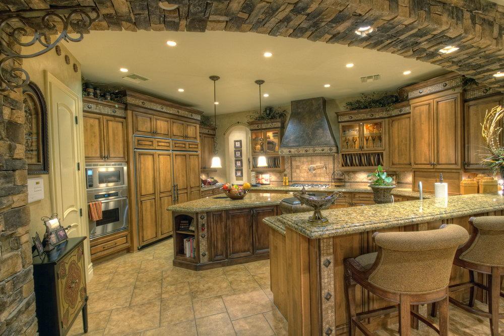 Luxury Kitchen Cabinets Toronto