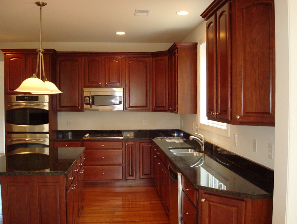 Mahogany Kitchen Cabinets With Granite Countertops
