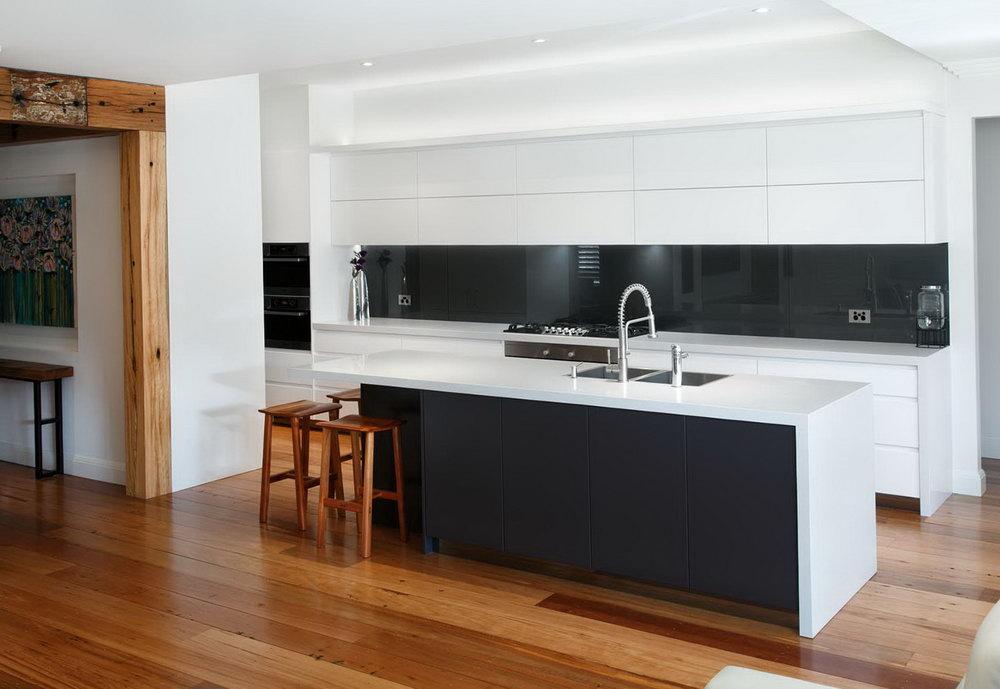 Modern Kitchen Cabinets Black And White