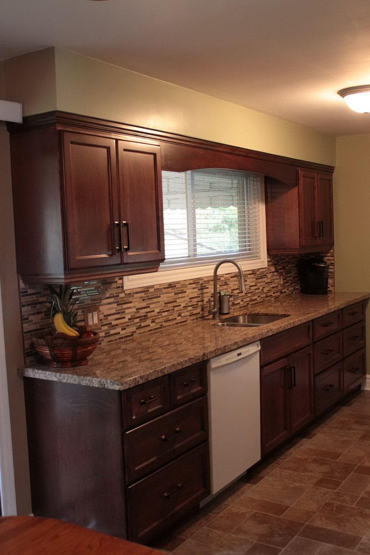 Modern Mahogany Kitchen Cabinets