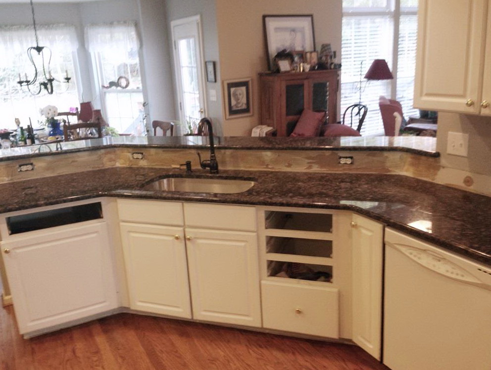 Pictures Of White Kitchen Cabinets With Brown Countertops