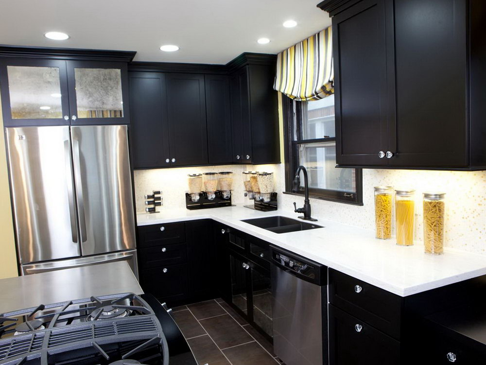 Small Kitchens With Black Cabinets