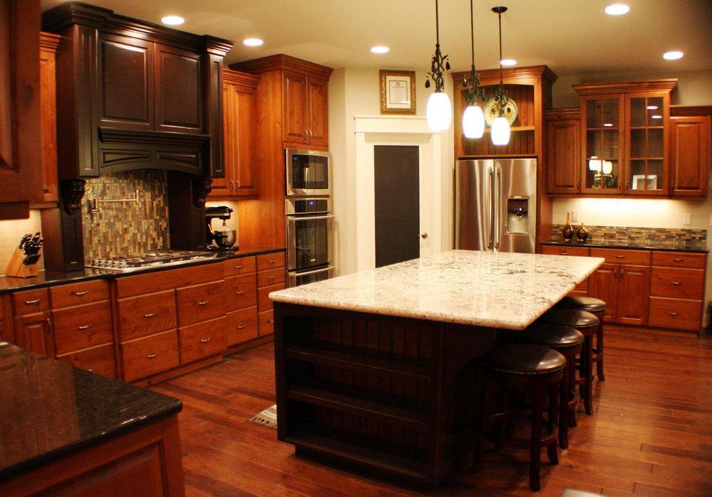 Traditional Dark Kitchen Cabinets