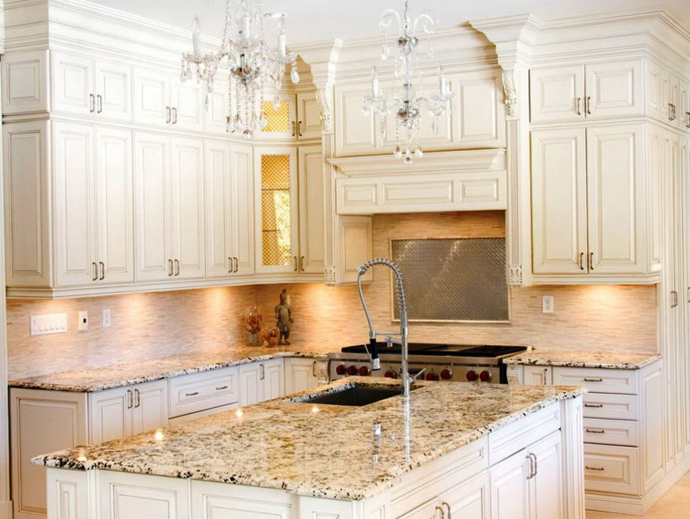 Antique White Shaker Kitchen Cabinets