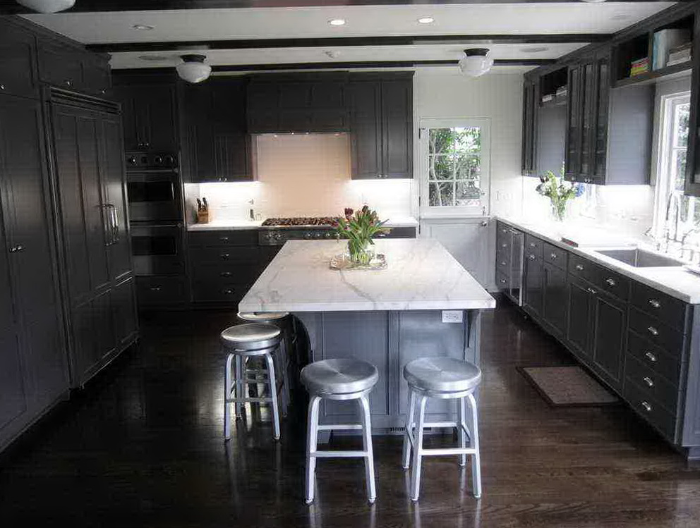 Dark Kitchen Cabinets With Dark Wood Floors