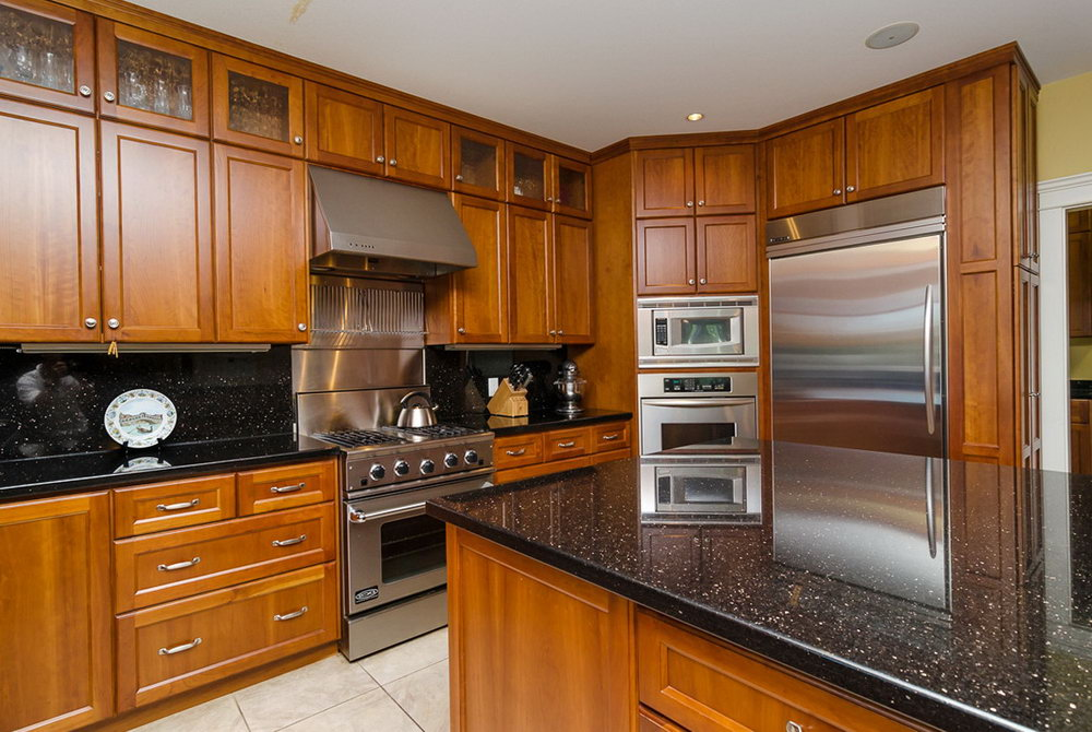 Full Height Kitchen Cabinets