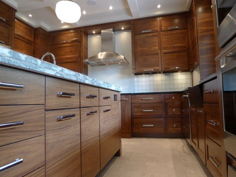 Horizontal Upper Kitchen Cabinets