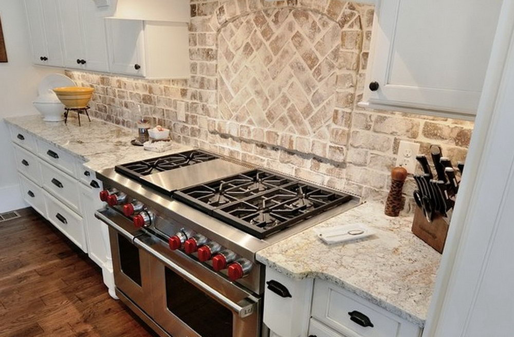 Kitchen Backsplash Pictures With White Cabinets