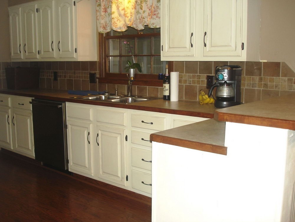 Kitchen Backsplash White Cabinets Dark Floors