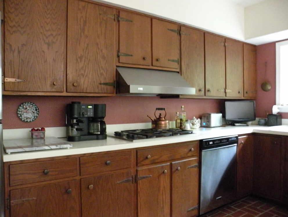 Kitchen Cabinet Knob Location