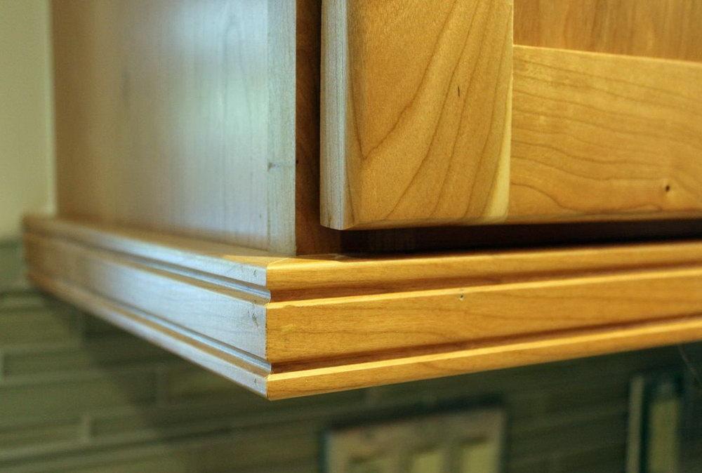 Kitchen Cabinet Light Rail Moulding