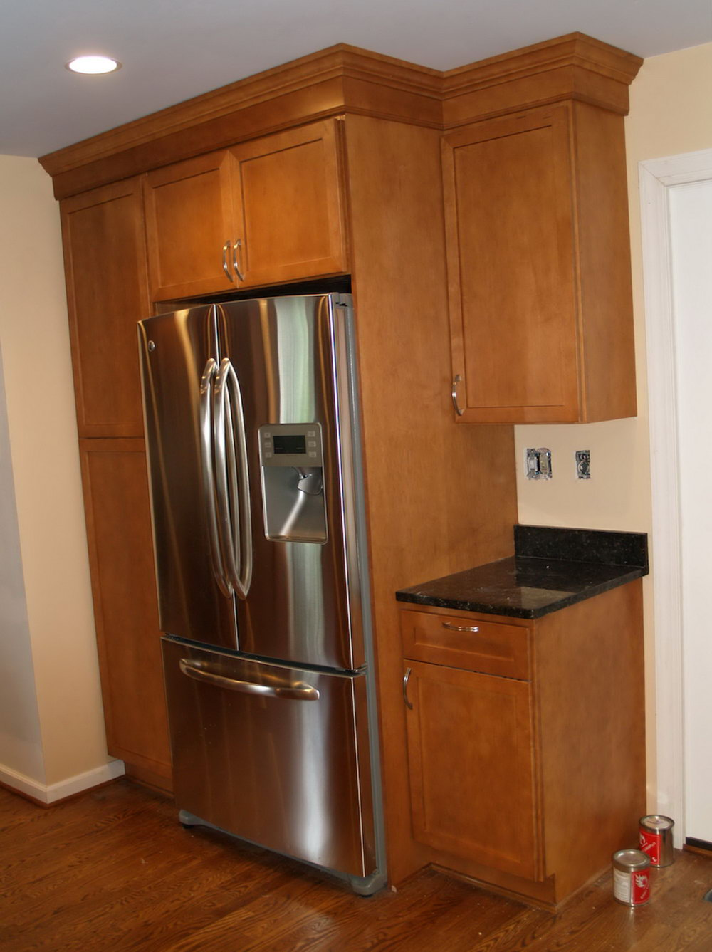 Kitchen Cabinets Around Refrigerator