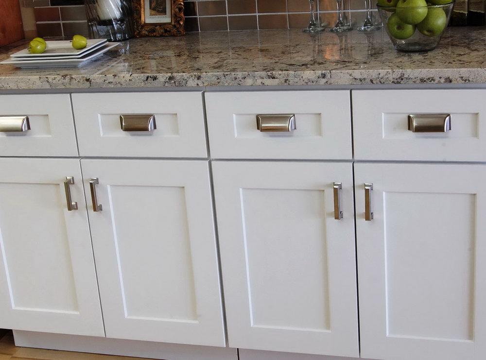 Kitchen Cabinets Door Handles And Knobs