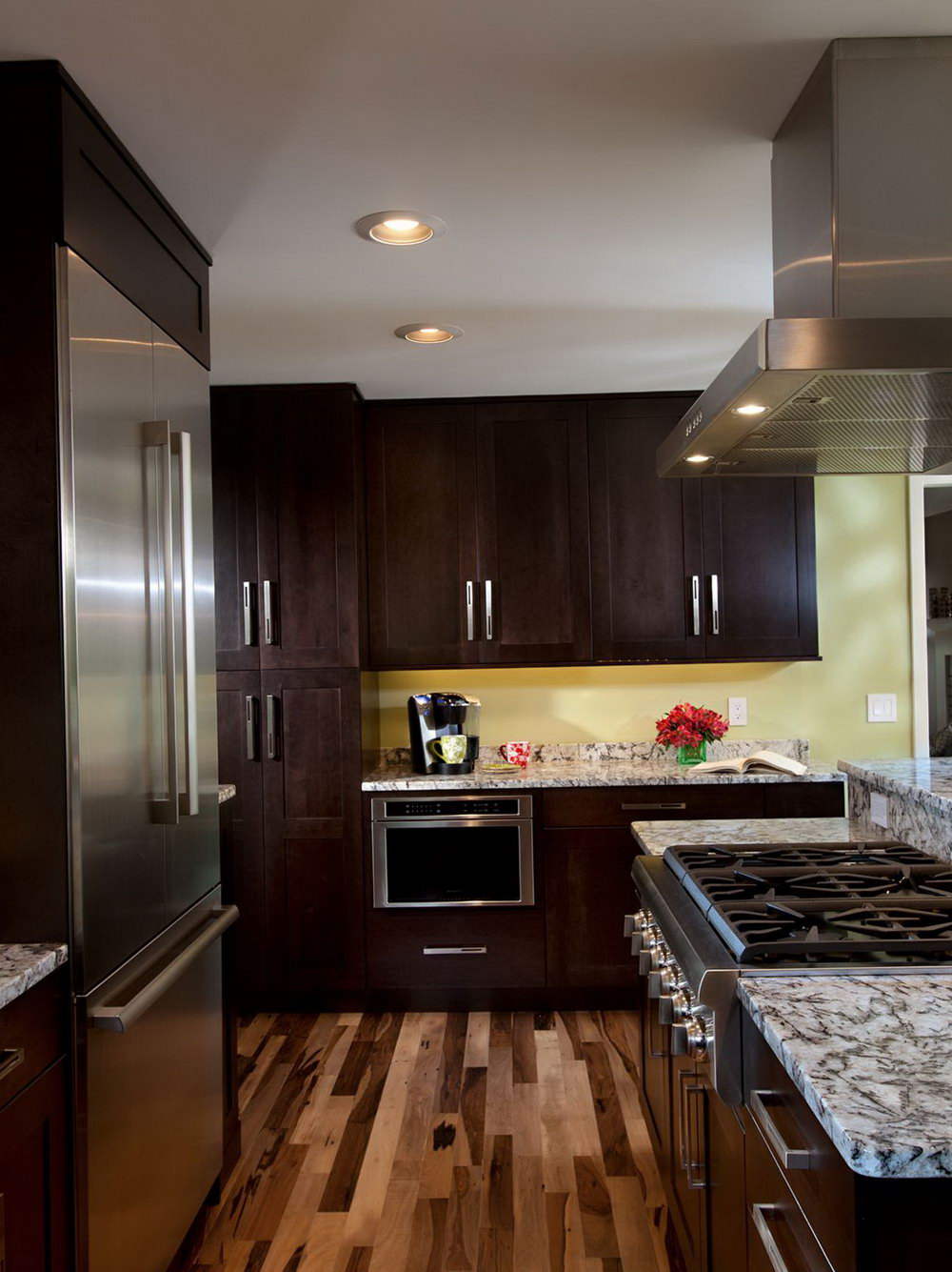 Kitchen Cabinets Matching Hardwood Floors