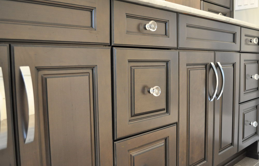 Kitchen Cabinets With Knobs And Handles