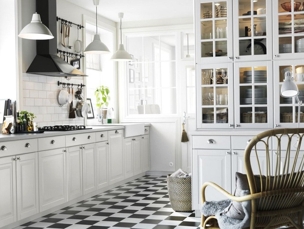 Kitchens With White Cabinets And Appliances