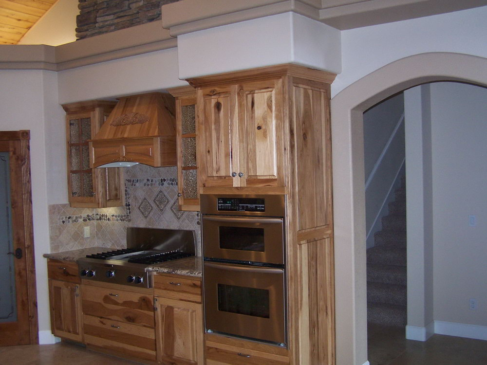 Knotty Hickory Cabinets Kitchen