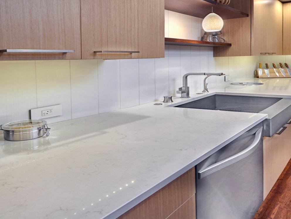 Modern Kitchen Oak Cabinets