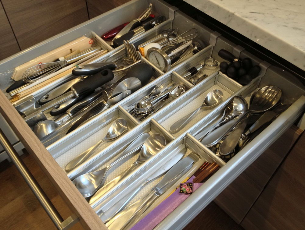 Organized Kitchen Cabinets And Drawers