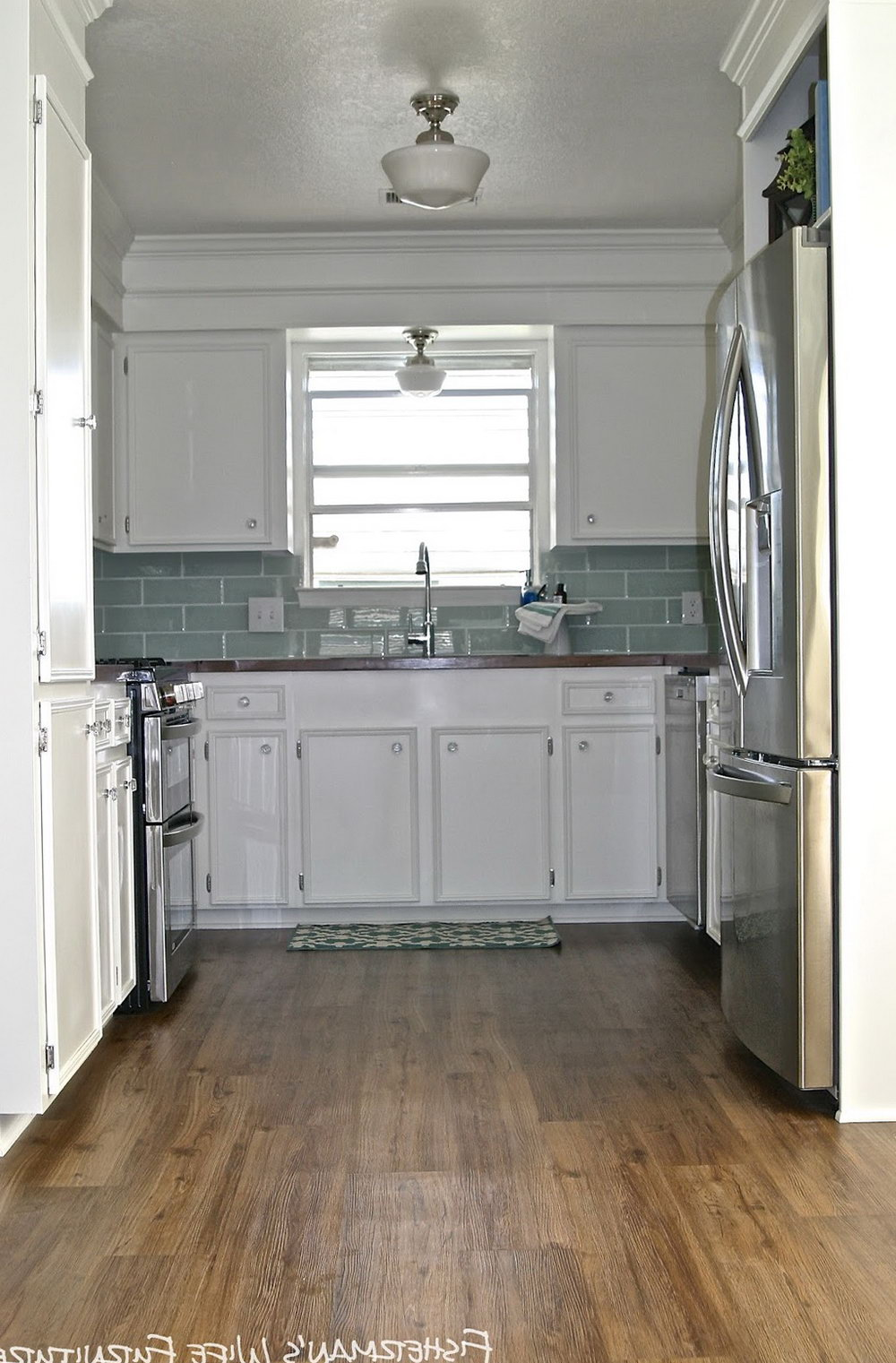 Pictures Of Small Kitchens With White Cabinets