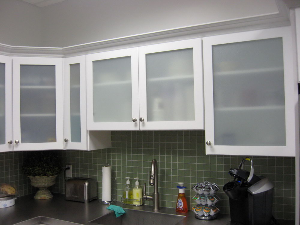 White Kitchen Glass Cabinets