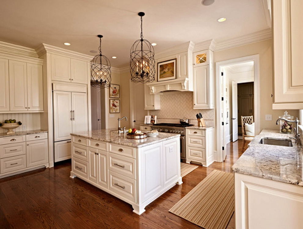 Benjamin Moore White Kitchen Cabinets