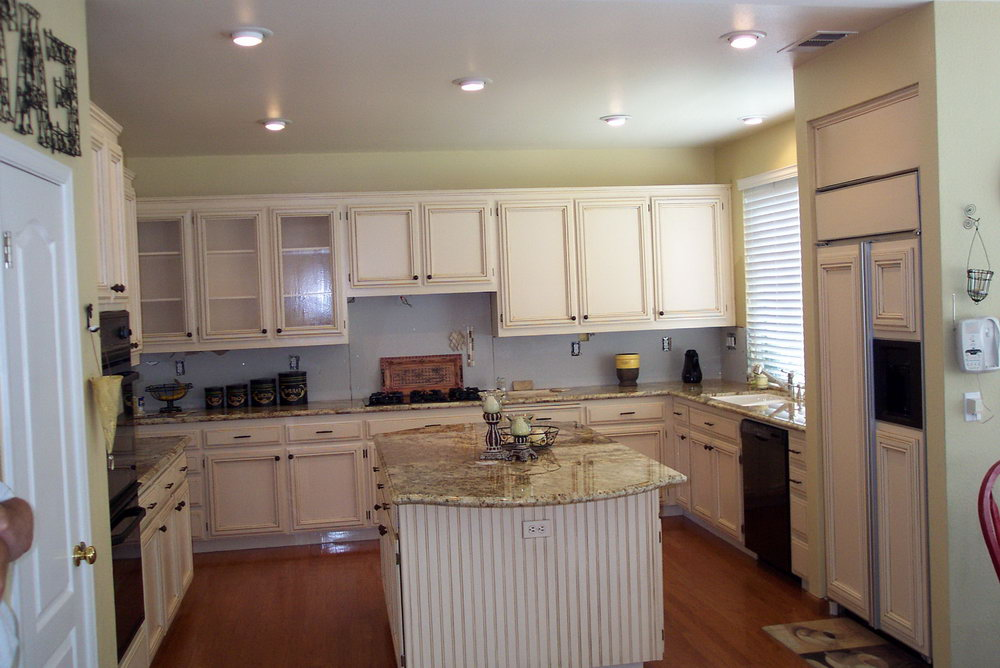 Can Kitchen Cabinets Be Painted White