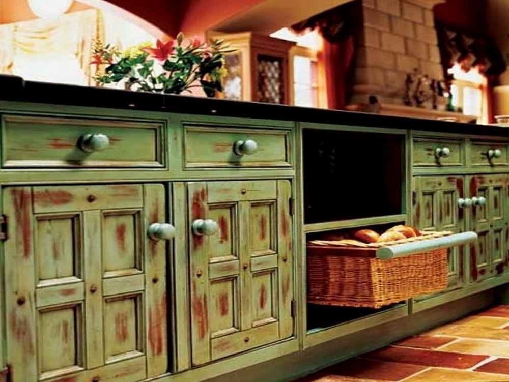 Chalk Painting Kitchen Cabinets