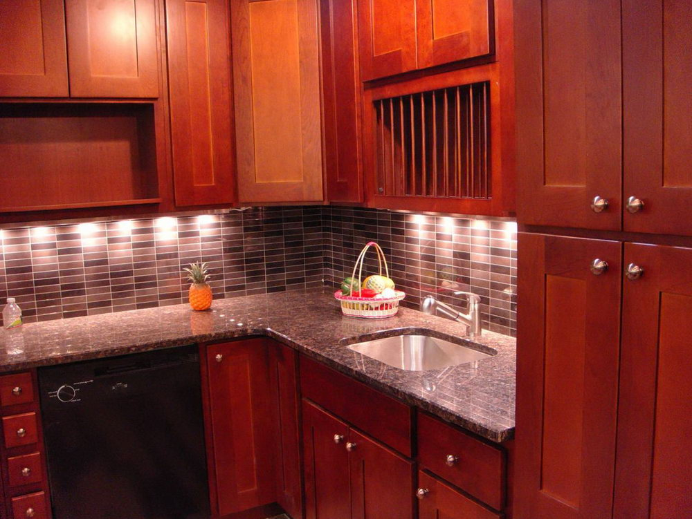 Cherry Shaker Cabinets Kitchen