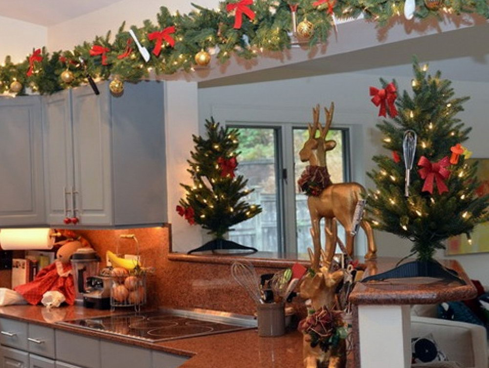 Decorating The Top Of Kitchen Cabinets For Christmas