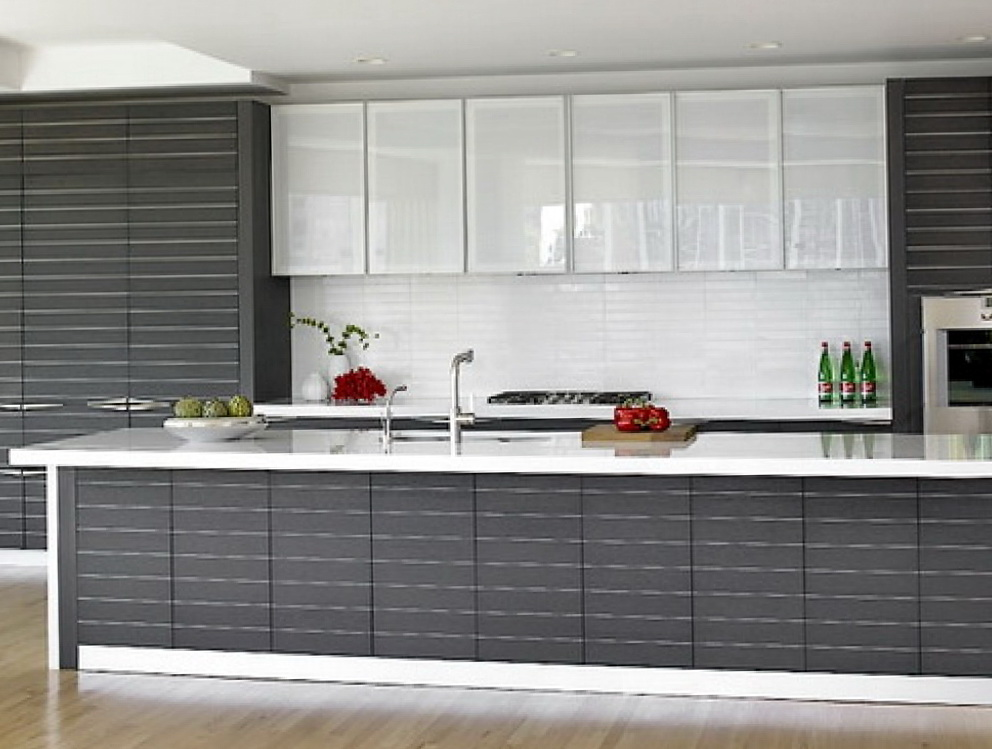 Glass Cabinets In Kitchens Decorating