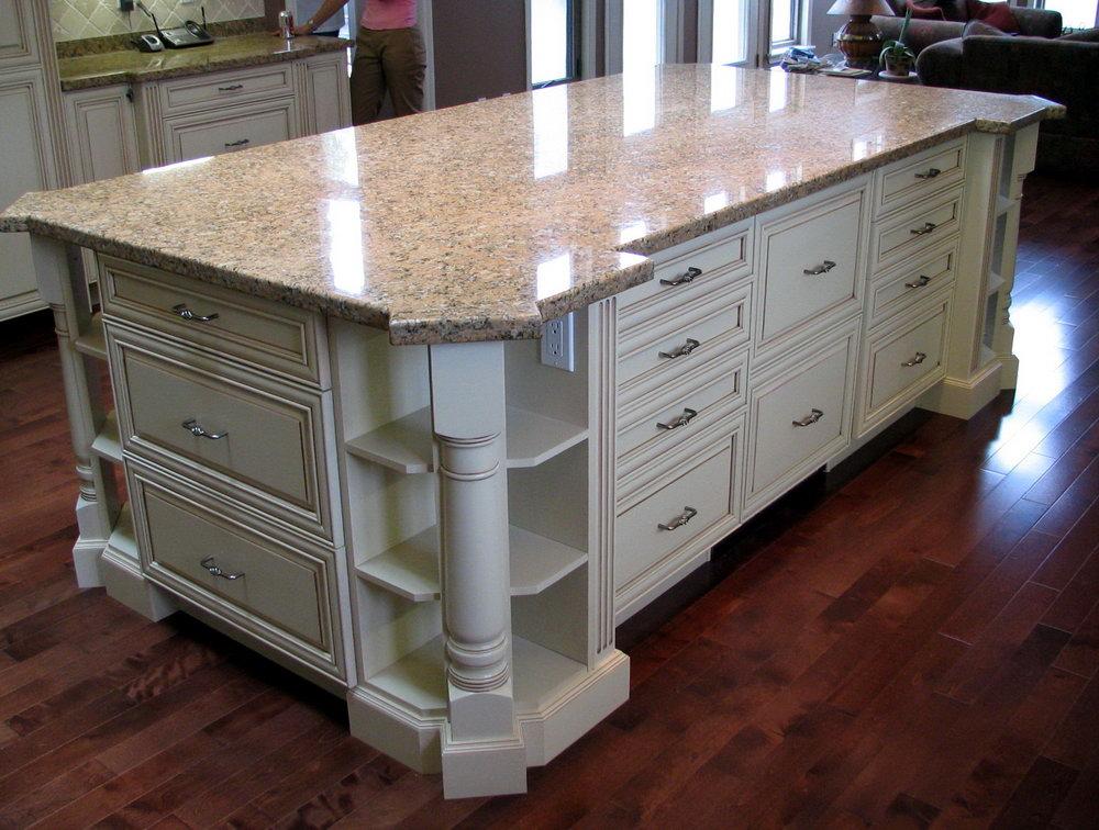 Kitchen Cabinet Corner Post