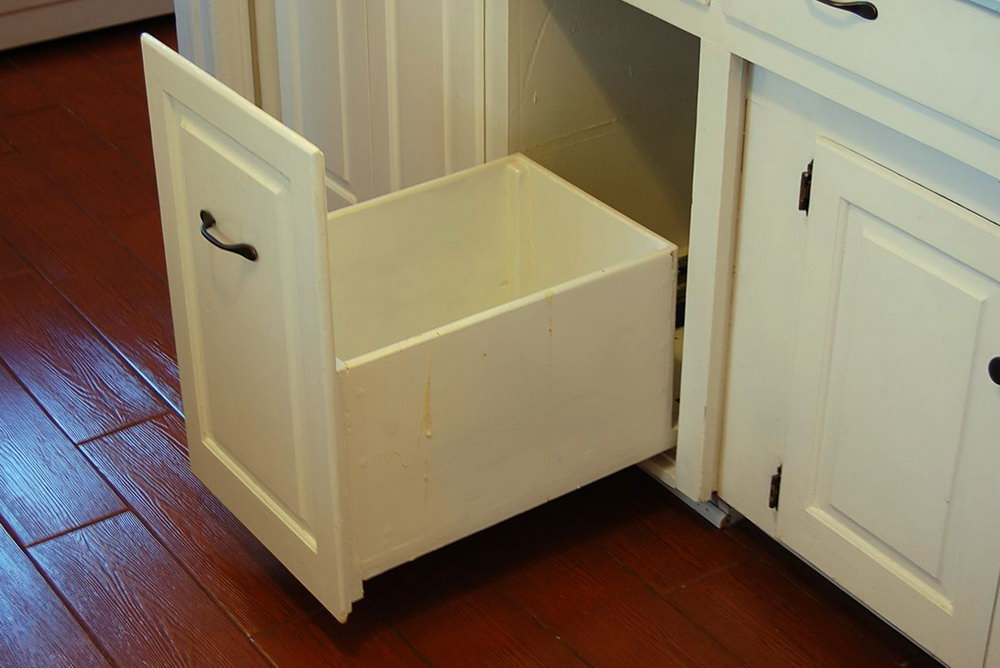 Kitchen Cabinet Garbage Drawer