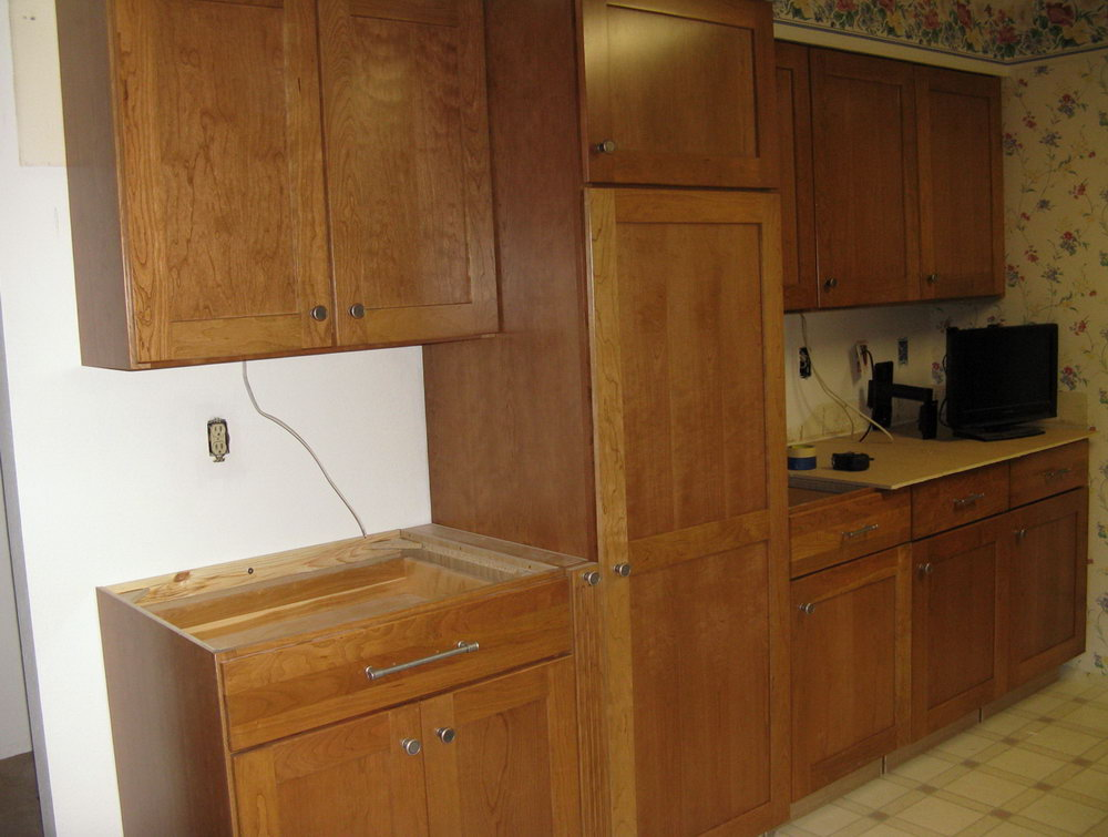 Kitchen Cabinet Pull Placement