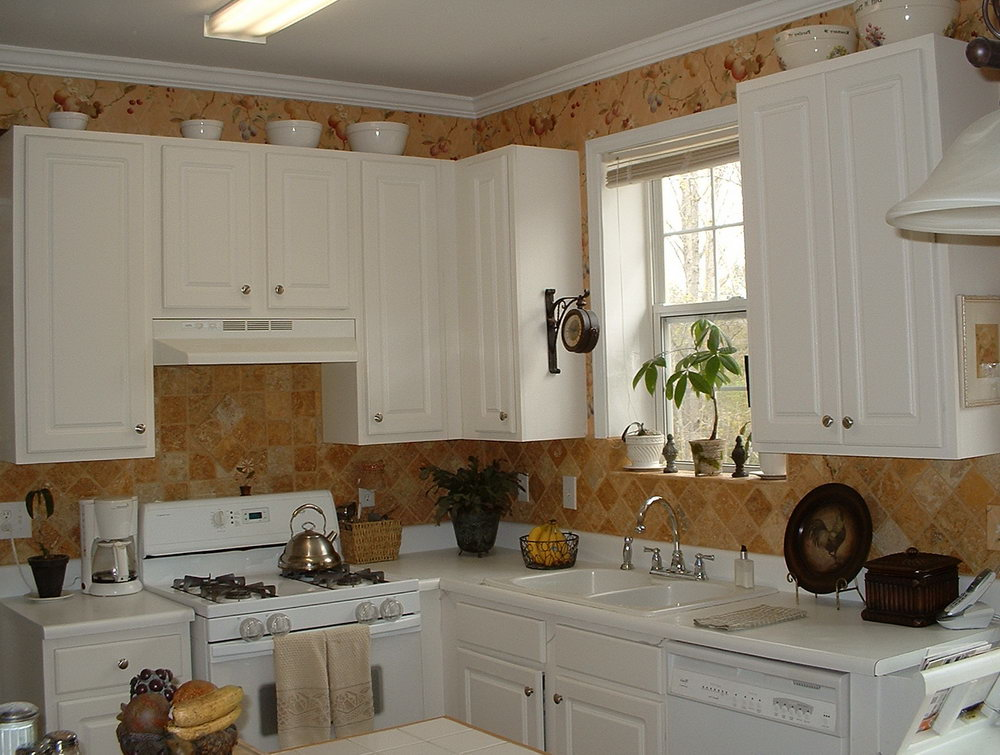 Kitchen Cabinet Tops Decorating Ideas