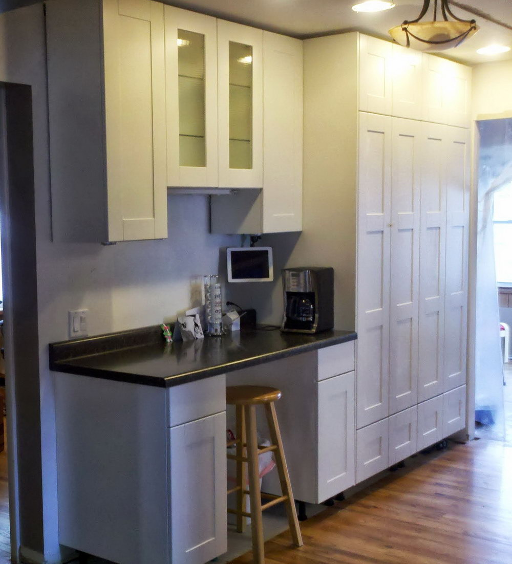 Kitchen Cabinets To The Ceiling Or Leave A Space