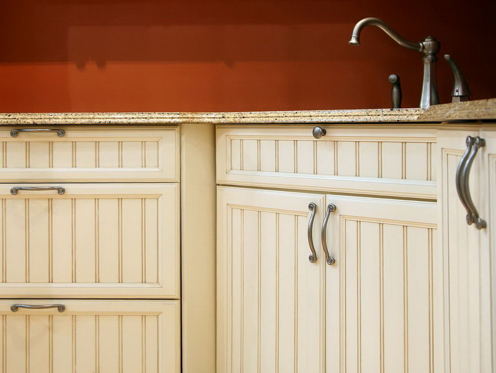 Kitchen Cabinets With Handles Pictures