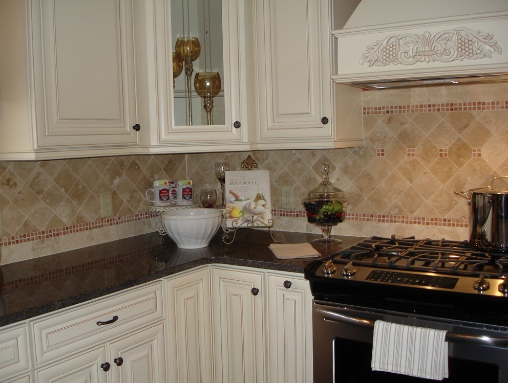 Picture Of Kitchen Cabinets With Knobs