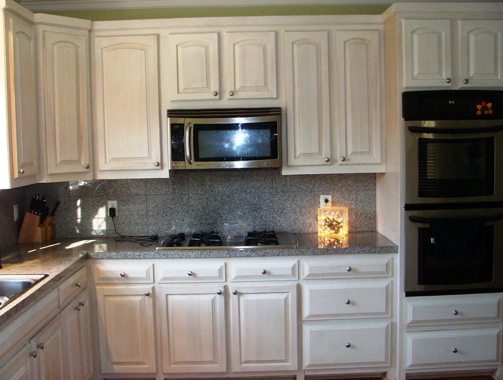 Rustic White Kitchen Cabinets