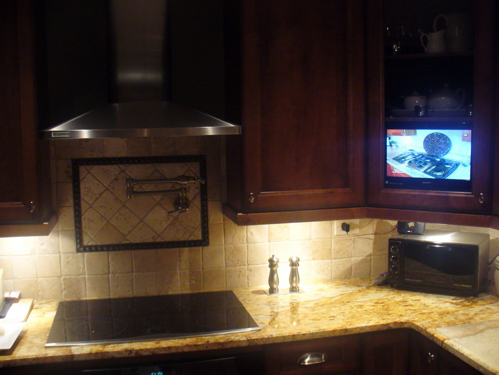 Under The Cabinet Tv For The Kitchen