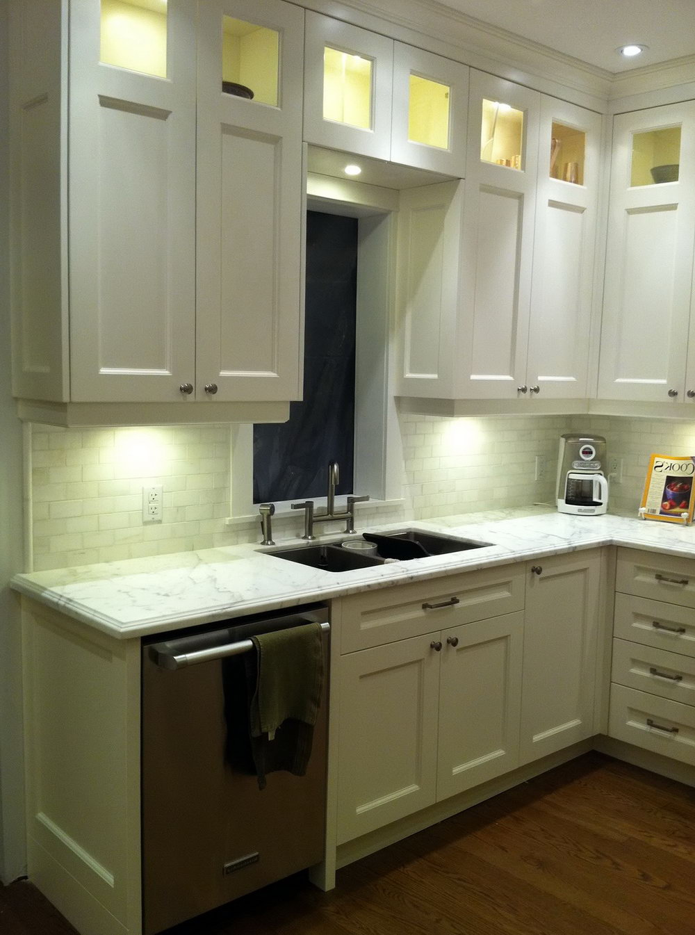 White Kitchen Cabinets To The Ceiling