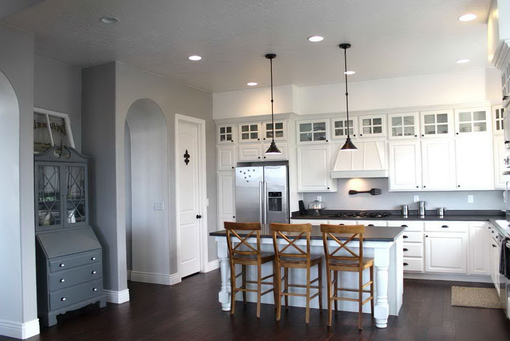 White Kitchen Cabinets With Hardwood Floors