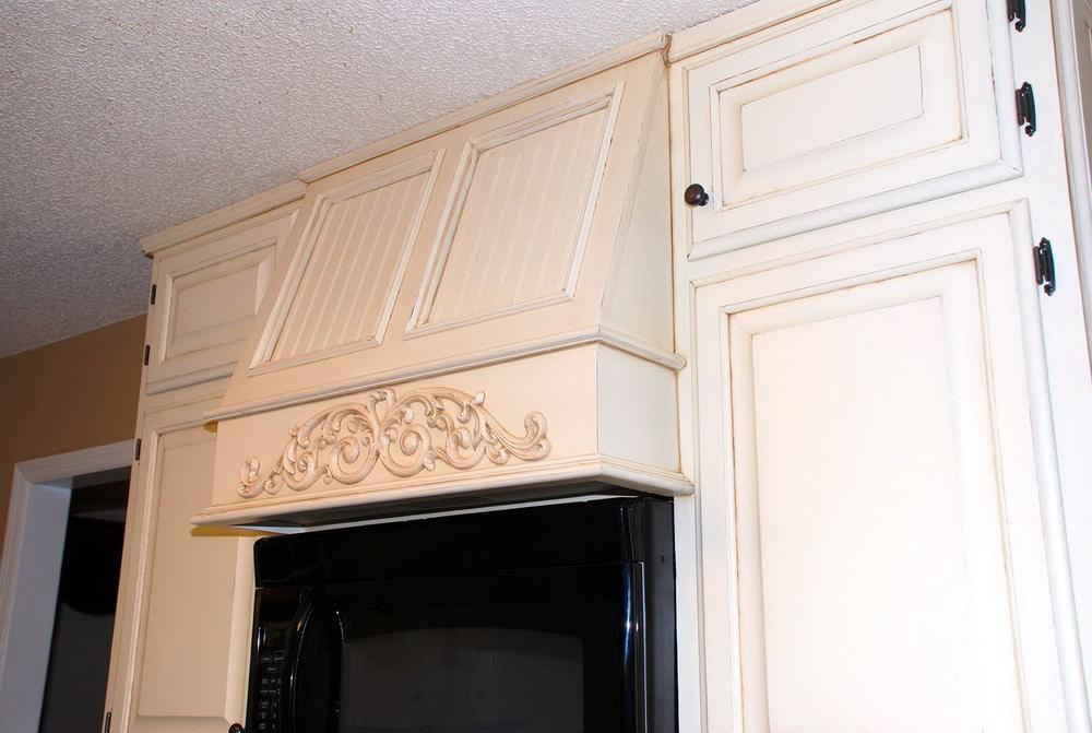 White Painted Oak Kitchen Cabinets