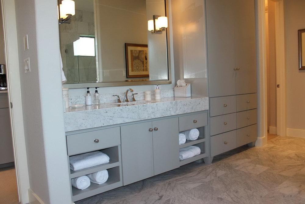 White Slab Door Kitchen Cabinets
