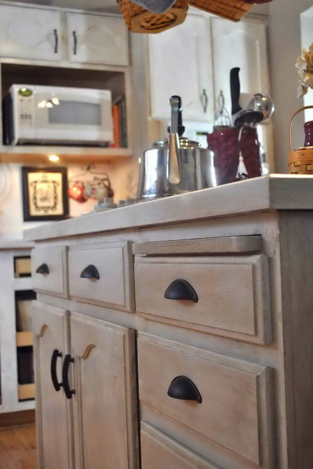 White Wash Oak Kitchen Cabinets