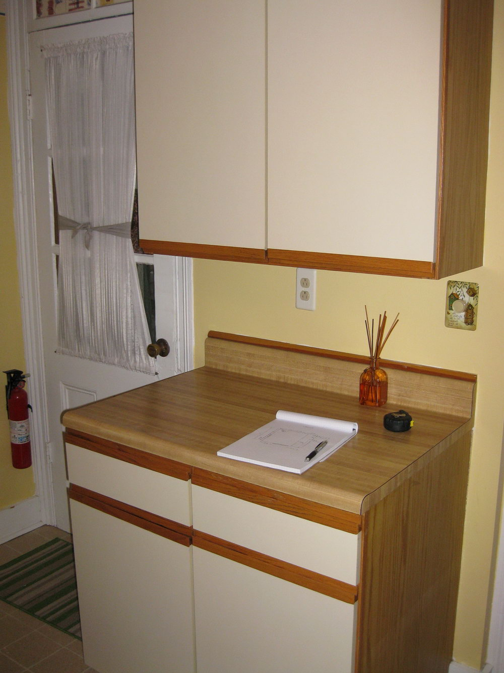 Wood Veneer Kitchen Cabinets