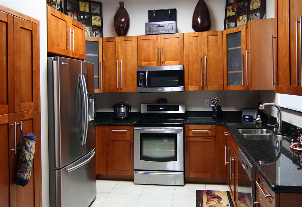 Cinnamon Maple Kitchen Cabinets