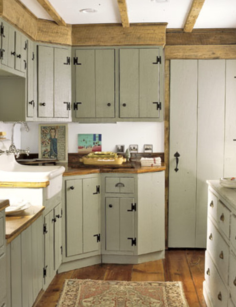 Farmhouse Kitchen Painted Cabinets